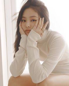 Jennie Kim for Elle Korea x Chanel (October Korean Boy, South Korean Girls, Korean Girl Groups, Blackpink Jennie, Yg Entertainment, Black Pink, Elle Magazine, Coco Chanel, K Pop