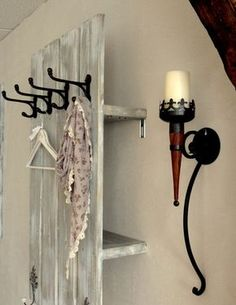 Schweden-Garderobe Liza Schweden-Garderobe Liza The post Schweden-Garderobe Liza appeared first on Flur ideen. Garderobe Design, Ideas Paso A Paso, Diy Rangement, Small Hallways, Gothic House, Home And Deco, Pallet Furniture, Storage Spaces, Living Room Designs