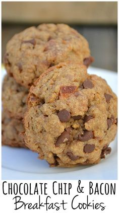 Chocolate Chip & Bacon Breakfast Cookies made with Grape-Nuts cereal. It's sweet, salty, chewy, crunchy, bacon cookie goodness. #spoonfulsofgoodness #ad   https://ooh.li/e950bf8