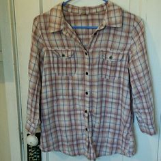 Selling this Fossil Plaid Button Up Shirt size Large in my Poshmark closet! My username is: emeraudelavie. #shopmycloset #poshmark #fashion #shopping #style #forsale #Fossil #Tops