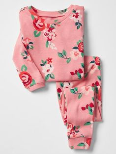 Pretty floral sleep set. Why can't these come in my size?!
