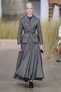 I essentially love this entire collection :-/ - Christian Dior Haute Couture Fall 2017