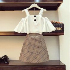 Fine Outfit Ideas Korean To Copy Now outfit ideas korean, fashion 2 Teen Fashion Outfits, Cute Fashion, Trendy Outfits, Girl Fashion, Fashion Dresses, Cute Outfits, Fashion Design, Girl Outfits, Korea Fashion