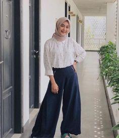 Modern Hijab Fashion, Street Hijab Fashion, Hijab Fashion Inspiration, Muslim Fashion, Ootd Fashion, Fashion Outfits, Modest Fashion, Modest Outfits, Casual Hijab Outfit