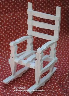 из деревянных прищепок Miniature rocking chair made from wooden clothespins - (my doll used to have one of these when I was little!)Miniature rocking chair made from wooden clothespins - (my doll used to have one of these when I was little! Popsicle Stick Crafts, Craft Stick Crafts, Wood Crafts, Fun Crafts, Crafts For Kids, Popsicle Sticks, Wooden Clothespins, Wooden Pegs, Miniature Furniture