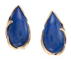 Pear-shaped lapis-lazuli earrings set in gold.