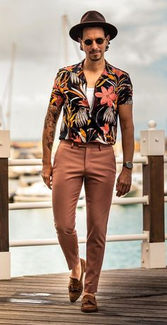 Women's Fashion Tips 5 ways to style the cuban collar shirts.Women's Fashion Tips 5 ways to style the cuban collar shirts Luxury Mens Clothing, African Clothing For Men, African Men Fashion, Mens Clothing Styles, Men's Clothing, Trendy Mens Fashion, Stylish Mens Outfits, Fashion Wear, Fashion Tips