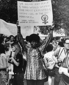 Women's Liberation Demonstration, 1970 The Third World Women's Alliance was formed to highlight the problems faced by women of color, particularly the destructive connection between race, sex and exploitation. Womens Liberation, Protest Signs, Riot Grrrl, Power To The People, Intersectional Feminism, Iconic Photos, History Photos, Women In History, Lgbt History