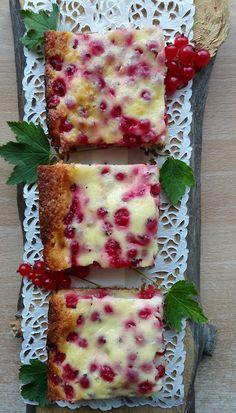 Mehevä punaviinimarjapiirakka Köstliche Desserts, Delicious Desserts, Baking Recipes, Cake Recipes, Finnish Recipes, Sweet Pastries, Sweet Pie, Sweet And Salty, Diy Food