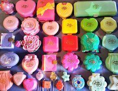 I wish I still had my polly pockets. I had a bunch of these.