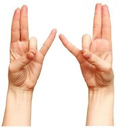 Healing mudras are very easy to perform on any time. Here are the 7 best hand yoga mudras for healing health with performance steps and transformation techniques. Fitness Workouts, Hand Mudras, Burn Out, Basic Yoga, Peace And Harmony, Health Promotion, Health Magazine, Health And Fitness Tips, Insomnia