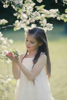 Baby Girl Images, Outdoor Flowers, Long Winter, Beach Girls, Beautiful Children, Beach Trip, Flower Crown, Children Photography, Cute Kids