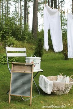 I wish I had a clothes line so I could hang my towels and sheets outside to dry. They smell like sunshine afterwards.