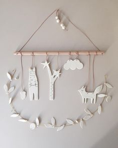 para hacer con pasta de papel Diy Blanket Ladder, Clothes Hanger, Easy Diy, Coat Hanger, Closet Hangers, Clothing Racks