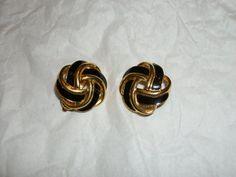 Trifari earrings love knot black enamel and gold signed vintage https://www.etsy.com/shop/FRANSCOSMETICSBARGIN