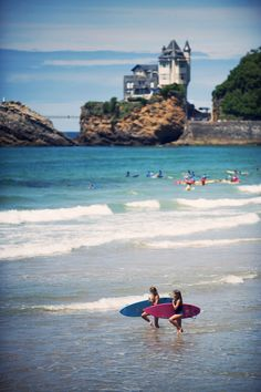 Go surfing in Biarritz, France. One of the most famous destination for surf trips. Trip plans for Biarritz right here. Oh The Places You'll Go, Places To Travel, Places To Visit, Ville France, Biarritz, Surfs, France Travel, Dream Vacations, Strand
