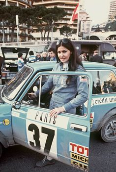 Rally driver Michele Mouton at the Rally Monte Carlo in 1977 with her Autobianch… – beaux sport voitures Rally Drivers, Women Drivers, Rally Car, Fiat 850, Audi Sport, Fiat Sport, Car And Driver, Courses, Race Cars