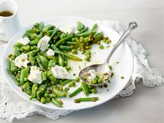 Minttuinen kotijuusto-hernesalaatti Vegan Foods, Spinach, Chicken, Meat, Vegetables, Cooking, Salad Ideas, Book, Christmas