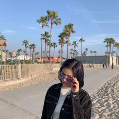 A community for fans of the K-pop girl group ITZY, under JYP Entertainment. Kpop Girl Groups, Kpop Girls, Fake Instagram, How To Pose, Kpop Aesthetic, Aesthetic Girl, Girl Crushes, Ulzzang Girl, K Idols
