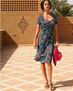 raffin e et glamour on adore cette robe de mari e pour femme ronde elle co te 214 seulement. Black Bedroom Furniture Sets. Home Design Ideas