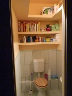 gipszkarton polc ötletek - Google Search Downstairs Bathroom, Bathroom Medicine Cabinet, Toilet Paper, Bookcase, Shelves, Bathroom Ideas, Home Decor, Google, Products