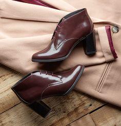 Die eleganten Ankle Boots in burgunderrotem Premium-Glattleder verleihen ein stylishes Vintage-Flair. Bestellen Sie die klassischen Ankle Boots Clarks Kadri Alexa jetzt für 120,00 Euro: http://www.clarks.de/p/26110603
