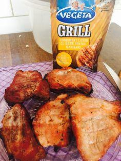 Am testat toate condimentele lichide pt marinare de la vegeta !!! Le ador...carnea devine mult mai frageda si gustoasa in doar 30 de minute! Am devenit dependentă in special de cel cu bere si picant 😎am sa le folosesc in continuare si le recomand tuturor..,totul este mai simplu si gustos cu aceste condimente...intre timp ce carnea sta la marinat imi prepar legumele😻#buzzvegeta Chicken Wings, Meat, Food, Essen, Meals, Yemek, Eten, Buffalo Wings