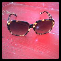 Coach sunglasses ✨ Love these but time to purge. They are in great condition. Coach Accessories Sunglasses