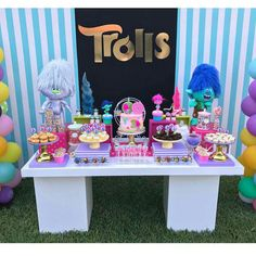 Trolls party setup