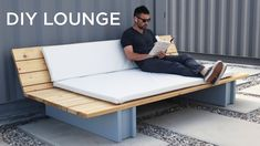 DIY Outdoor Lounge Sofa DIY Outdoor Lounge Sofa - This DIY Outdoor Sofa or Lounge can be made with just 3 power tools. A circular saw, drill, an. Lounge Decor, Lounge Sofa, Sectional Sofa, Chaise Lounges, Diy Garden Furniture, Diy Outdoor Furniture, Wooden Furniture, Pallet Deck Furniture, Furniture Ideas