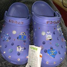Crocs Slippers, Crocs Shoes, Crocs Fashion, Sneakers Fashion, Jordan Shoes Girls, Girls Shoes, Cool Crocs, Designer Crocs, Cute Sandals