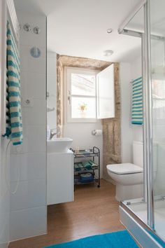 Apartment M. Cosy & bright bathroom