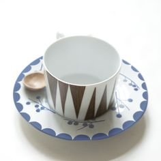 Mix & Match Porcelain - Be still my heart. Available March 2012. Want, want, want. Design: Anna Backlund & Elisabeth Dunker for Rym