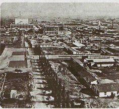 : Nel 1938, in gloria del regime, si dà inizio ai lavori del nuovo quartiere espositivo che, completato soltanto negli anni Cinquanta, diventerà l'EUR Anno: fine anni 30