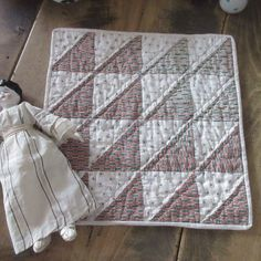 Home Decoration Flowers Prim Country Antique Flying Geese Doll or Table QUILT Home Decor Accessories, Decorative Accessories, Country Primitive, Primitive Doll, Doll Quilt, Flying Geese, Elle Decor, Country Decor, Cheap Home Decor
