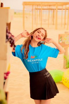 Somi para a Beanpole Sports — South Korean Girls, Korean Girl Groups, We Heart It, Jeon Somi, Korean Couple, Cute Skirts, Cosmic Girls, Boy Hairstyles, Ulzzang Girl