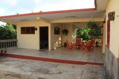 #cuba #vinales #mogote #casa Cuba Vinales, Pergola, Outdoor Structures, Outdoor Decor, Home Decor, Havana, Decoration Home, Room Decor, Outdoor Pergola
