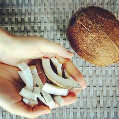 кокосовое масло для здоровья Health Fitness, Hair Beauty, Rings For Men, Coconut, Skin Care, Healthy, Apple, Home Remedies, Apple Fruit