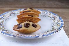 Madeleine cu ciocolata Pie, Cookies, Desserts, House, Ideas, Food, Madeleine, Torte, Crack Crackers