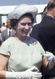 Queen Elizabeth II attending the Royal Agricultural Show at Shepton Mallet in Somerset on June (Photo by Ray Bellisario/Popperfoto/Getty Images) Princess Anne, Princess Margaret, Young Queen Elizabeth, British Monarchy History, Mother Daughter Quotes, Diana, Queen Mother, Elisabeth, Famous Couples