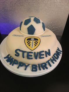 Leeds United themed cake Cake decorating in 2019