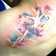 Tatuagem ainda não cicatrizada feita por @marilia_tattoo do #riodejaneiro =) Acompanhe o trabalho dela no instagram! #bomdia #aquarela #dança #dance #ballet #musica #music #tattoo #tattoo2me #tatuagem #ink #inked #arte #art #drawing #draw #tatouage #Tatow | por tattoo2me