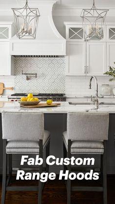 Gray Kitchen Backsplash, Grey Kitchen Cabinets, Kitchen Redo, Home Decor Kitchen, Kitchen Interior, Home Kitchens, Kitchen Ideas, Diy Kitchen Makeover, Contemporary Kitchen Backsplash