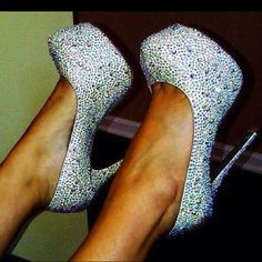 If I could walk in heels I would be wearing these every single day for the rest of my life.