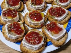 Appetizer Recipes, Appetizers, Party Finger Foods, Canapes, Caprese Salad, Catering, Dips, Cheesecake, Muffin
