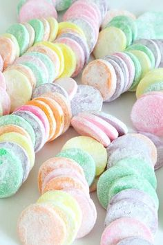 Homemade Candy Wafers - Food and drink - Desserts Necco Wafers, Candy Wafers, Candy Cookies, Shortbread Cookies, Home Made Candy, Chocolate Bonbon, Chocolate Tarts, Chocolate Ganache, Turtle Cookies