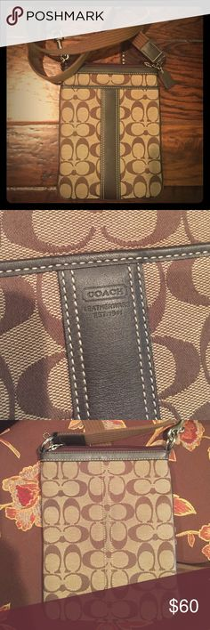 Women's COACH signature crossbody bag Rarely used authentic COACH crossbody bag Coach Bags Crossbody Bags