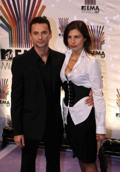 What a sweet/gorgeous couple... Dave Gahan and Jennifer Sklias-Gahan.