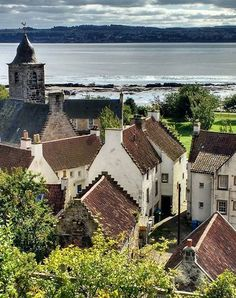 """The picturesque village of Culross 😍 fans may recognise the village too. Best Of Scotland, Fife Scotland, England And Scotland, Scotland Travel, Highlands Scotland, Beautiful World, Beautiful Places, Island Of Skye, Places To Travel"