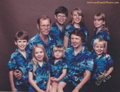 Atleast they all match! LOL Family Portrait « AwkwardFamilyPhotos.com